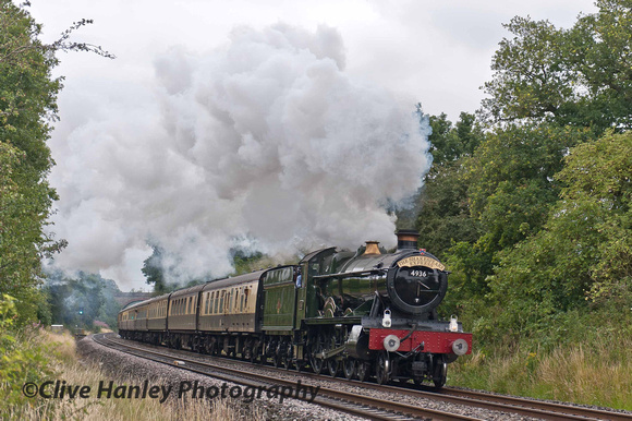 Ray was making rapid progress with 4936 Kinlet Hall having crested the bank at Shrewley.