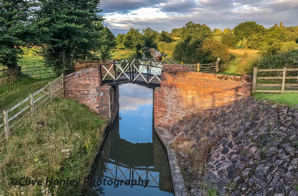 A 3.5 mile walk at 6am was needed to reach Henley station for the first train. The Stratford canal.