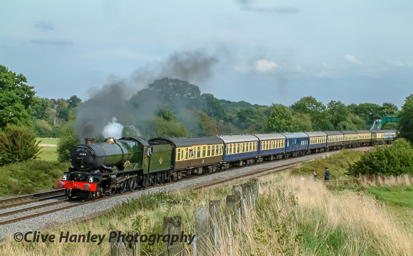 6024 King Edward I is about to begin the climb of Hatton Bank.
